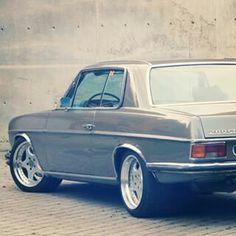 Mercedes W114, Old Mercedes, Classic Mercedes, Mercedes Benz Cars, Mercedes Benz Classes, Mercedez Benz, Daimler Benz, World Pictures, Mallard