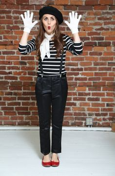quick and easy mime costume for halloween.  by corilynn