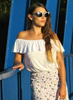 Outfit - Off shoulder top, skirt