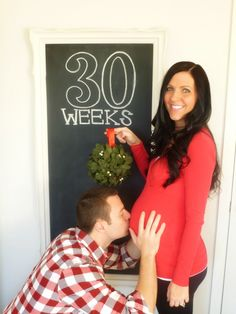 A whole series of chalkboard pregnancy photos
