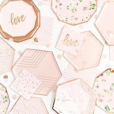 Rose Gold Paper, Rose Gold Foil, Rose Gold Color, Pink Dinner Plates, Pink Plates, Dessert Plates, Party Plates, Blush Roses, Blush Pink