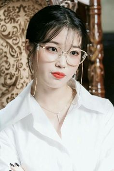 Korean Glasses, Iu Hair, Iu Fashion, Fashion Styles, Korean Artist, Korean Actresses, Korean Celebrities, Seulgi, Korean Beauty