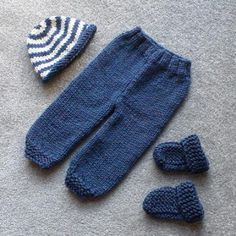 Ravelry: Plain Trousers pattern by Esther Kate Crochet Baby Pants, Knit Crochet, Baby Boy Knitting, Knitted Baby, Pants Pattern, Baby Patterns, Toddler Outfits, Baby Items, Ravelry