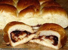 GRUNT TO PRZEPIS!: Maślane bułeczki przytulone z powidłami śliwkowymi Hot Dog Buns, Hot Dogs, French Toast, Bread, Breakfast, Food, Morning Coffee, Brot, Essen
