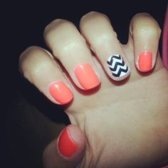 Smart Chevron Nail Art