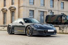 The only 2016 Porsche 911 R delivered in Steve McQueen's preferred slate grey, this tribute is essentially what the King Of Cool would have ordered from Stuttgart if he was still around. A more driver-friendly version of the GT3 RS,...