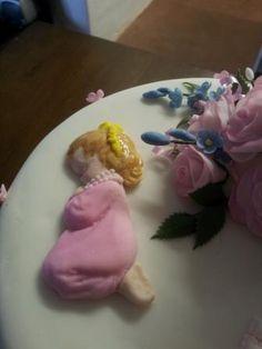 Praying girl on Zoey's christening cake
