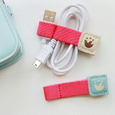 The best DIY projects & DIY ideas and tutorials: sewing, paper craft, DIY. DIY Gifts Ideas 2017 / 2018 to make -Read Diy Projects To Try, Craft Projects, Sewing Projects, Fabric Crafts, Sewing Crafts, Diy And Crafts, Arts And Crafts, Cord Holder, Charger Holder