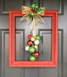 Last Minute DIY Christmas Decorations on a Budget – Picture Frame Wreaths Christmas Swags, Christmas Lanterns, Christmas Wreaths To Make, Outdoor Christmas Decorations, Christmas Projects, Christmas Diy, Christmas Ornaments, Holiday Decor, Picture Frame Wreath
