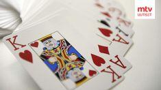 Sadepäivän pelastukseksi kannattaa kaivetaan esille pelikortit. Ensin kerrataan kuitenkin säännöt. Playing Cards, Lifestyle, Games, Playing Card Games, Gaming, Game Cards, Plays, Game, Toys