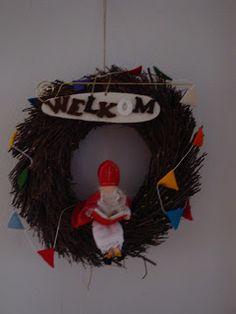 Atelier 't Koekendiefie December, 4th Of July Wreath, Felt, Wreaths, Christmas Ornaments, Holiday Decor, Home Decor, Atelier, Felting