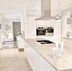 38 The Best Modern Scandinavian Kitchen Inspirations - Popy Home White Kitchen Cabinets, Kitchen Cabinet Design, Modern Kitchen Design, Interior Design Kitchen, Kitchen Decor, Kitchen Ideas, Kitchen White, Kitchen Designs, Kitchen Inspiration