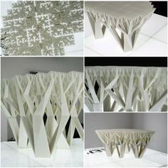 Tabla Fractal. Una mesita baja cuya estructura muestra, de los pies a la cubierta, un patrón de crecimiento fractal. Fractal.MGX.(2008)