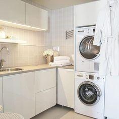 Laundry roomGood morning! Viihtyisn kodinhoitohuoneeseen tarvitaan puhdasta pyykki vhn kukkiahellip