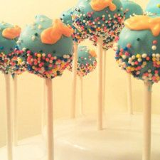 Goldfish, Little Mermaid , Beach - Under the Sea Cake Pops Little Mermaid Cakes, Little Mermaid Parties, The Little Mermaid, Bubble Guppies Party, Cream Candy, Sea Cakes, Adoption Party, Under The Sea Party, Chocolate Shop