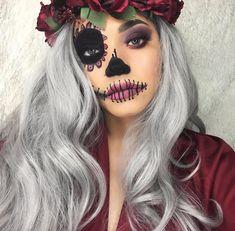 Look for simple pretty Halloween make-up ideas Haloween Makeup, Costume Makeup, Dead Makeup, Makeup Art, Makeup Ideas, Buy Makeup, Hallowen Schminke, Art Visage, Halloween Makeup Looks