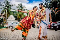 South Indian Couple Portraits That You Must Take Inspiration From! Indian Wedding Poses, Indian Wedding Couple Photography, Photography Couples, Punjabi Wedding, South Indian Weddings, South Indian Bride, Couple Portraits, Couple Posing, Wedding Film