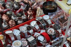 Fake watches sell for under 5 euros near #TerminiStation