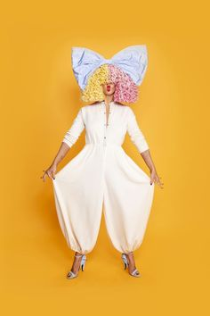 Shia Labeouf, Maddie Ziegler, David Guetta, Cole Sprouse Riverdale Wallpaper, Die Kardashians, Sia Singer, Rihanna, Sia Kate Isobelle Furler, Sia Music