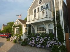 curb appeal.... Nantucket style