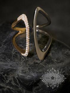 Ring . 18K Rose Gold, Black Rhodium and Diamond