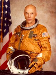 Story Musgrave, astronaut. Bio.