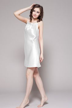 Made of 19 momme perfect mulberry silk, our white color smooth ladies silk night dresses are on sale with custom plus size and big discount. $86 #nightgowns #silk #lilysilk