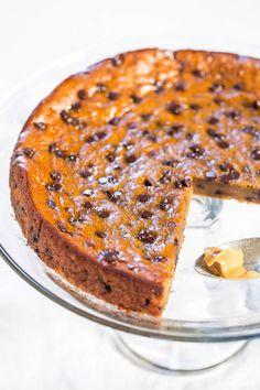 Flourless Peanut Butter Chocolate Chip Blender Cake