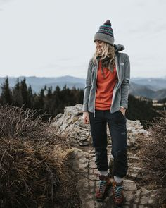 - camping - Untitled - - The Best Hiking fashion images, clothes,boats, hats Cute Hiking Outfit, Trekking Outfit, Summer Hiking Outfit, Mountain Hiking Outfit, Mode Plein Air, Climbing Outfits, Outdoorsy Style, Smart Casual Menswear, Overalls Outfit