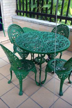 Hierro Forjado verde oliva . Green Garden Furniture, Cast Iron Garden Furniture, Best Outdoor Furniture, Iron Furniture, Wrought Iron, Colours, Outdoor Decor, Nest, Table