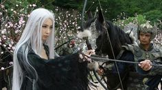 The 32-year-old beauty from Harbin, Heilongjiang, plays the White-haired Demoness Lian Nichang, which was inspired by Ronny Yu's wuxia (martial arts) film The Bride with White Hair. That movie, made in 1993, was based on Leung Yu Sang's 1954 novel of the same name and starred Taiwanese star Brigitte Lin Ching Hsia as the titular character.