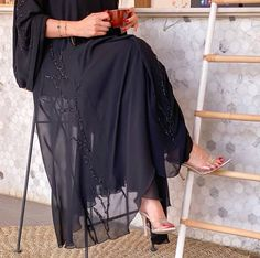 Arab Fashion, Dubai Fashion, Muslim Fashion, Black Abaya, Snapchat Girls, Abaya Designs, Abayas, Kimono Fashion, Cloths