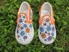 Customized Vans, Girl's White Canvas Slip On Vans With Hand Painted Painted Daisies For Toddlers and Children