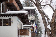 Mountain Chalet Aspen: snowy hotel facade