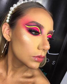 Makeup Art, Beauty Makeup, Face Makeup, Unique Makeup, Colorful Makeup, Drag Queen Makeup, Makeup For Green Eyes, Festival Makeup, Eyeshadow Looks