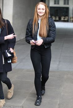 sophie turner glamour - Buscar con Google