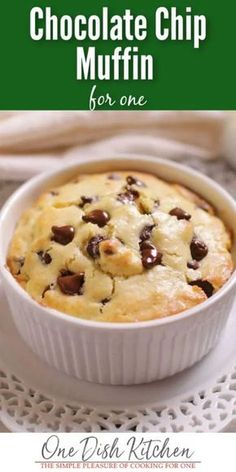 Big bakery style chocolate chip muffin recipe that's easy to make and perfect if you're cooking for one! Filled with chocolate chips, this buttery chocolate chip muffin makes the perfect breakfast treat or a snack. recipes for two recipes fry recipes Mug Recipes, Muffin Recipes, Breakfast Recipes, Dessert Recipes, Breakfast Cooking, Cooking Recipes, Ramikin Recipes, Skillet Recipes, Cooking Tools
