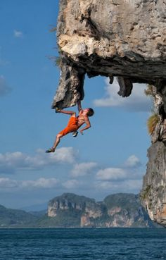 Deep Water Soloing - #extremesports #adventure