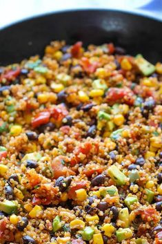 One Pan Mexican Quinoa - Wonderfully light, healthy and nutritious. And it's so easy to make - even the quinoa is cooked right in the pan! Clean Recipes, Gourmet Recipes, Mexican Food Recipes, Vegetarian Recipes, Cooking Recipes, Healthy Recipes, Skillet Recipes, Quinoa Dinner Recipes, Cooking Tips