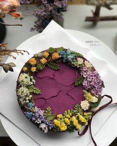 . - ▫️advanced, 2nd week (student works) ▫️와인색 선택해서 조색과 아이싱 Good~ - - #앙금플라워 #플라워케이크 #플라워케이크클래스 #꽃케이크 #로데케이크 #오페라케이크 #떡케이크 #koreanflowercake #flowercake #flower #cakedesign #flowercakeclass #handmade #specialcake #beanpasteflowercake #わだかまりフラワーケーキ #淀粉花蛋糕 #生日蛋糕 #ケーキ