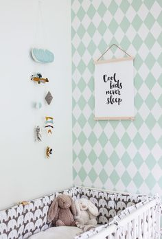 Pretty baby room with a cute, patterned wallpaper and a nice mobile. Girl Room, Baby Room, Creative Kids Rooms, Pretty Wallpapers, Pretty Baby, Colorful Furniture, Wall Patterns, Pattern Wallpaper, Cool Kids