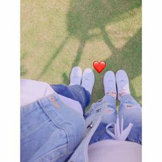 Chân c diff poop color green - Green Things Mode Ulzzang, Ulzzang Girl, Girly Pictures, Couple Pictures, Tumblr Photography, Couple Photography, Hand Photography, Korean Couple, Korean Girl