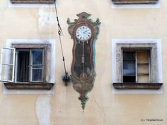 Mural showing a pendulum clock in Vienna, Austria Pendulum Clock, Vienna Austria, Architecture Details, Street Art, Maker Shop, Murals, Europe, Places, Crafts