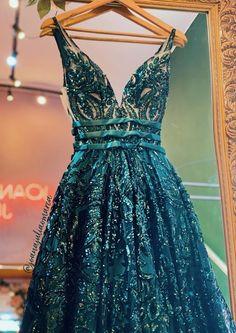 Pretty Prom Dresses, Grad Dresses, Lace Evening Dresses, Ball Dresses, Elegant Dresses, Homecoming Dresses, Beautiful Dresses, Ball Gowns, Formal Dresses