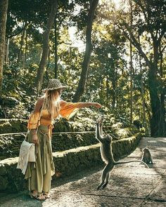 Sacred Monkey Forest Ubud, a must-vist place in Bali, #Indonesia Photo by: IG @travel_inhershoes
