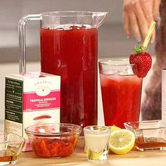 Detox Strawberry Lemonade Smoothie Recipe: 1/2 cup pure coconut water 1 1/6 strawberries 1/4 medium-large lemon 1 handful of spinach 2 scoops ice   BLEND!