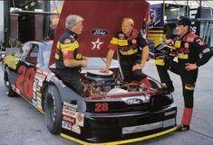 Yates Racing Texaco Ford driven by Davey Allison and Ernie Irvan. Racing News, Drag Racing, Auto Racing, Terry Labonte, Nascar Race Cars, Nascar Rules, Texaco, Vintage Race Car, Fast Cars