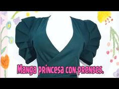 FÁCIL Y RÁPIDO! APRENDE COMO HACER UNA MANGA PRINCESA CON PRENSES! - YouTube Baby Clothes Patterns, Dress Sewing Patterns, Clothing Patterns, Sleeve Designs, Blouse Designs, Long Gown Dress, Learn Embroidery, Pattern Cutting, Sewing Techniques