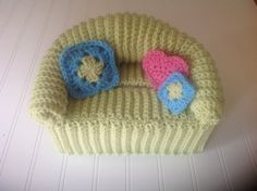 Fun Retro Doll Sofa Crochet Tissue Box Cover by TalulaCrafts
