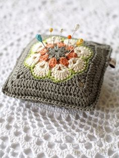 I hope everyone had a good weekend. New to the Online Shop this week are Crochet Flower Pin Cushions. New colour combos with a hint of Autumn. I love the style of the cushion and how you can se… Crochet Home, Crochet Gifts, Cute Crochet, Knit Crochet, Vintage Sewing Notions, Vintage Sewing Machines, Motifs Afghans, Crochet Stitches, Crochet Motif